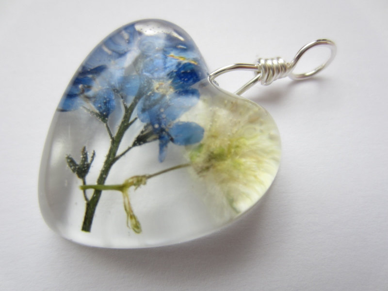 Dried Flower Resin Pendant, Pressed Flower Pendant, Forget Me Not Pendant, Real Flower Jewellery, Gypsophila