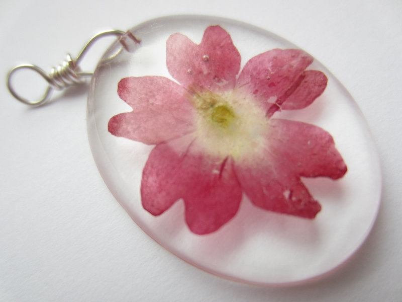 Dried Flower Resin Pendant, Pressed Flower Pendant, Cabochon Pendant, Real Flower Jewellery, Verbena Pendant, Pink Jewellery